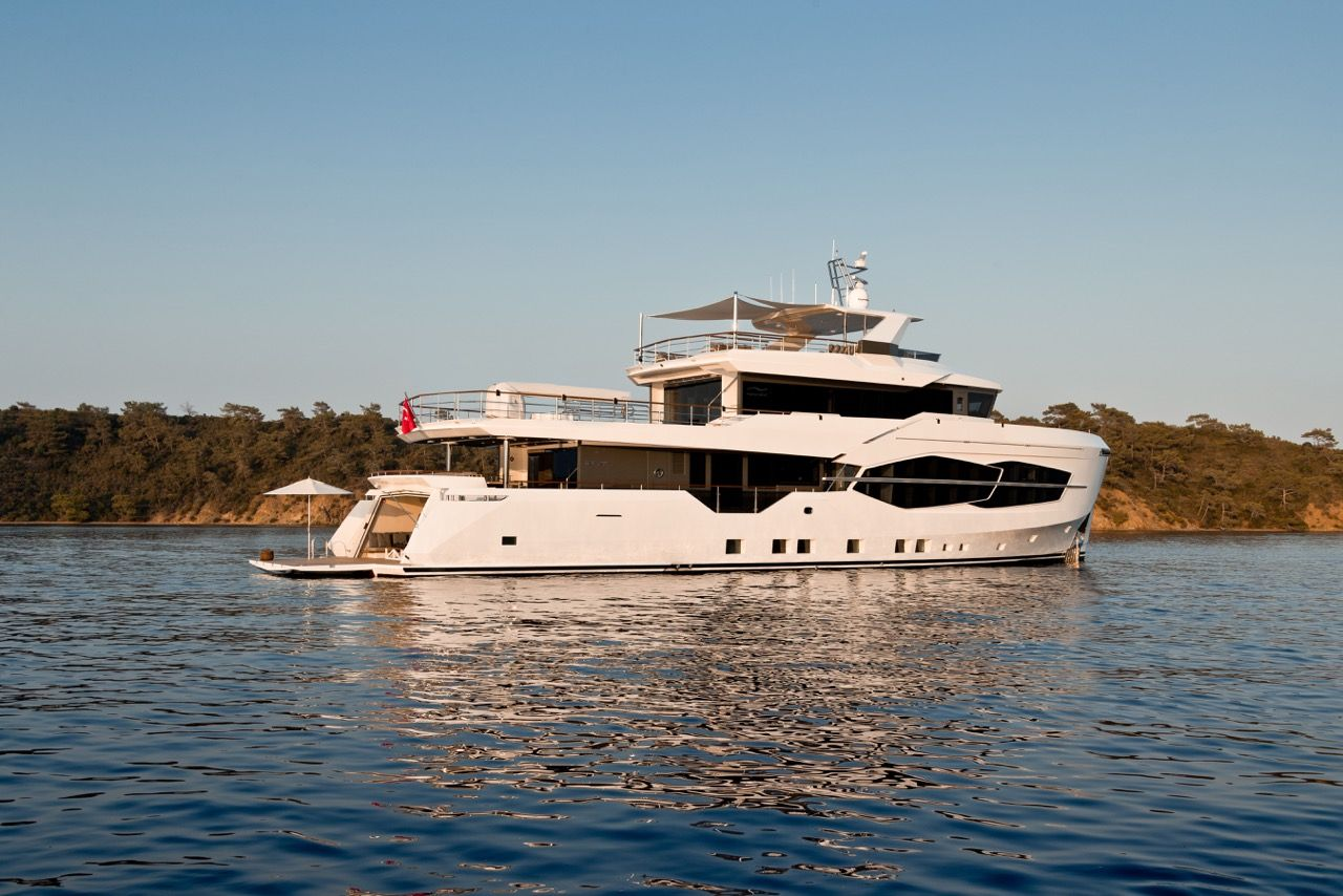 Numarine Sells Second 32xp To An American Owner Explorer Yacht Luxury Yachts Yacht