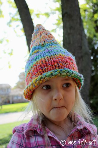 Pointed Pixie or Gnome Hat free pattern. LOVE this, just wish we ...