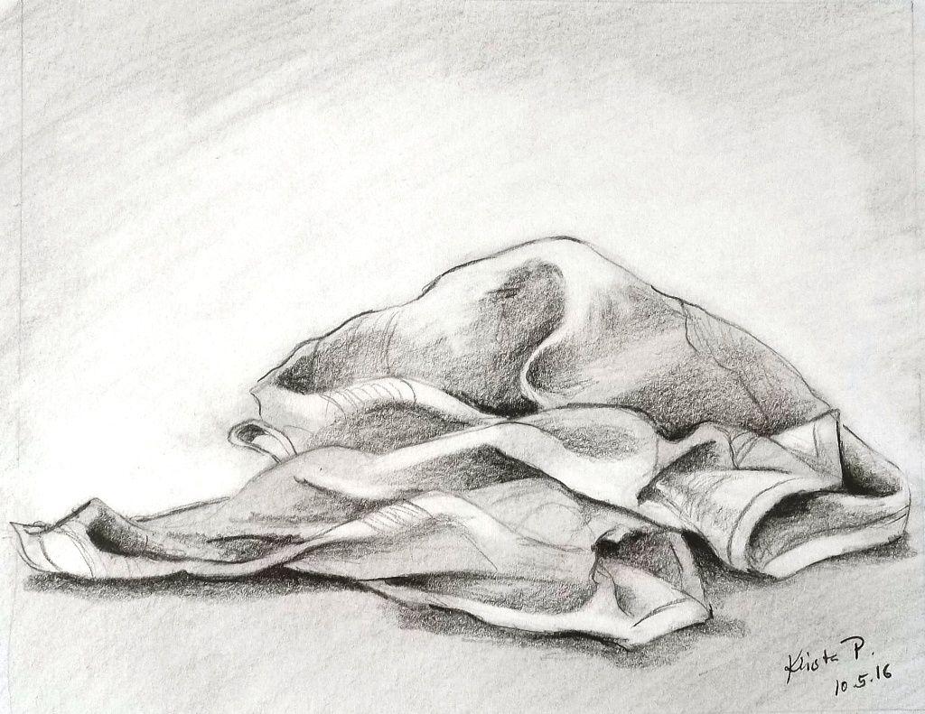 Cloth - lying, pencil, study, artist Kristýna Pavluvčíková.