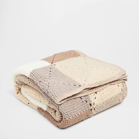 Zara Home Cojines Y Mantas.Manta Crochet Cuadros Mantas Cama Zara Home Espana