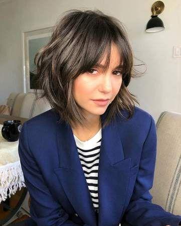 Copiée par Nina Dobrev ! ninadobrev en 2019 Cheveux