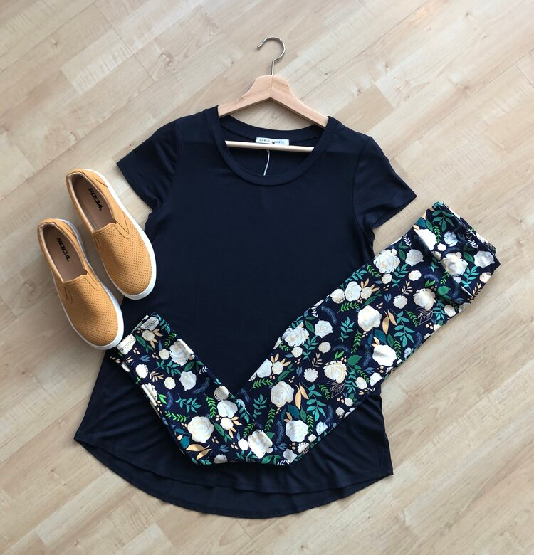 My Leggings My Life Meadow In 2020 Casual Navy Dress House Clothes Clothes