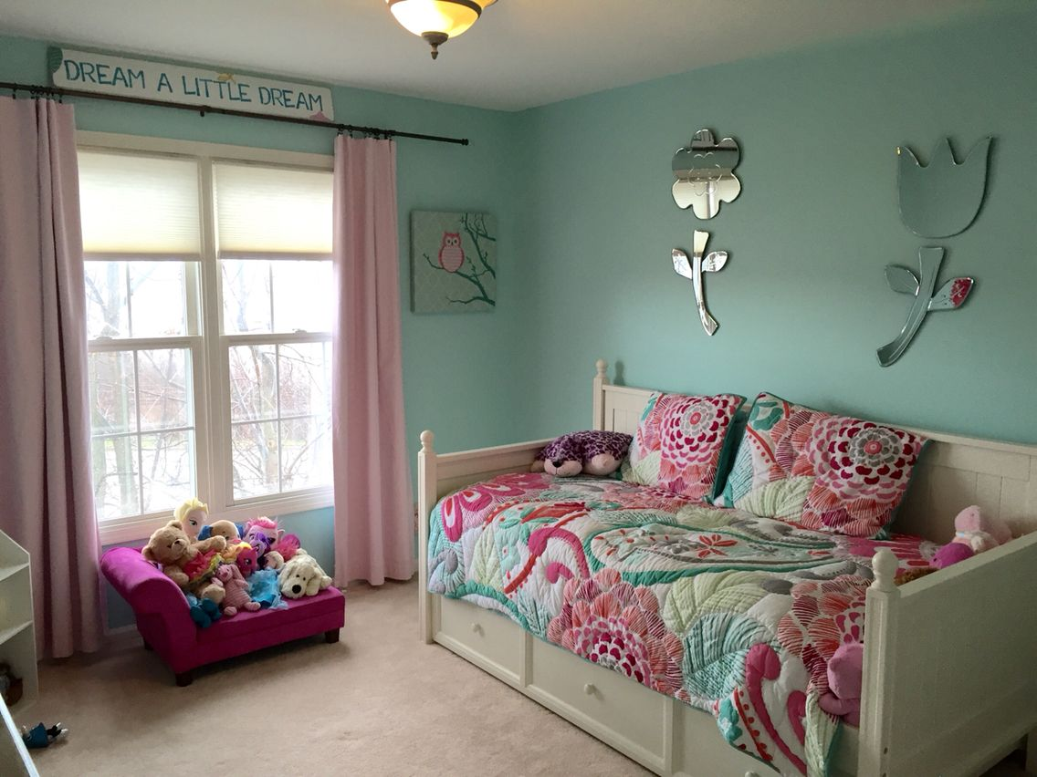 Harper's finished room! Paint is tame teal by Sherwin ...
