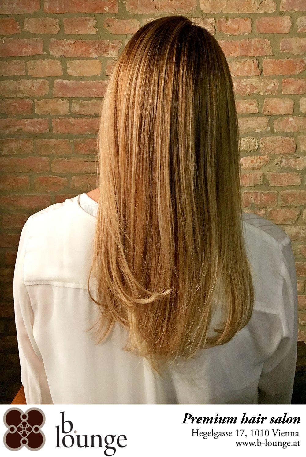 Beautiful Warm Blonde Shade With Delicate Highlights Medium Hair Warm Blonde Medium Hair Styles Long Hair Styles