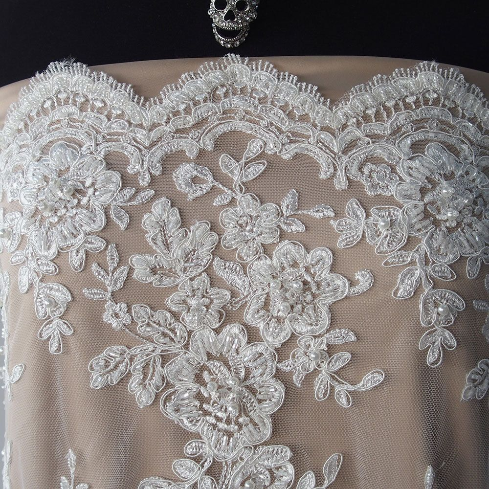 Fancy White Embroidery Lace Tulle Fabric With Heavy Beaded