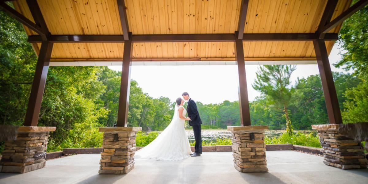 Weddings At Jacksonville Arboretum Gardens In Jacksonville Fl Wedding Spot Florida Wedding Venues Wedding Venues Cheap Wedding Venues