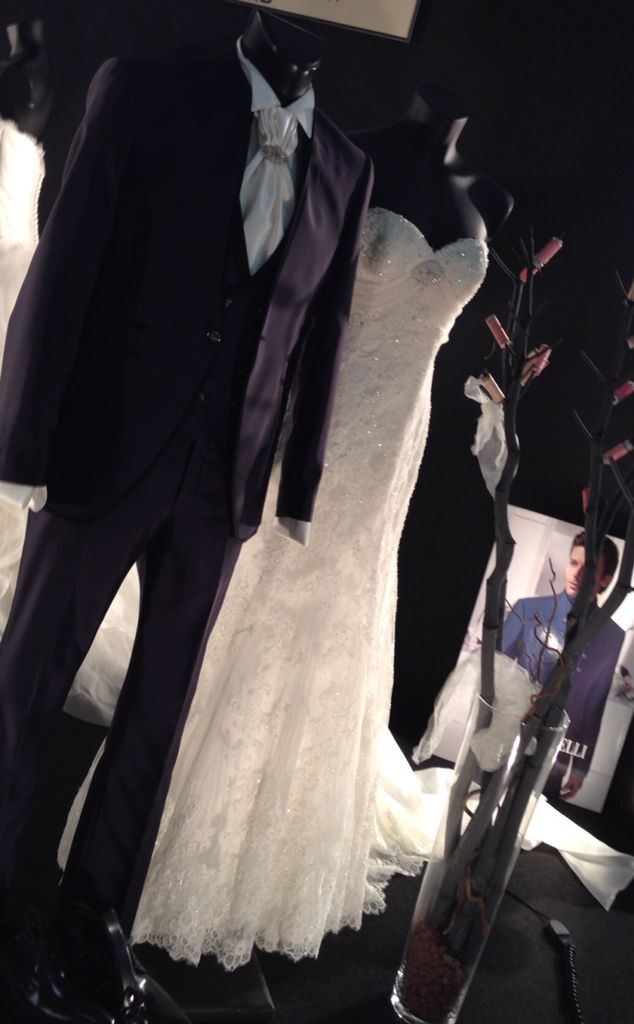 Buon weekend noi vi aspettiamo a Viva gli sposi Centro espositivo Elmepe Tosettisposa  Alessandro Tosetti Www.tosettisposa.it Www.alessandrotosetti.com #abitidasposa2015 #wedding #weddingdress #tosetti #tosettisposa #nozze #bride #alessandrotosetti
