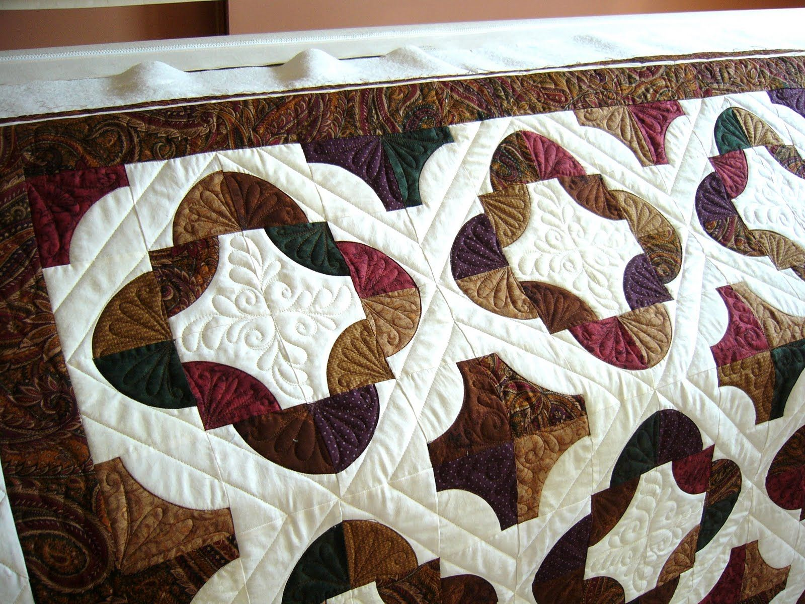 Drunkard\'s Path Quilt - I like this pattern for a Crown Royal Bag ...
