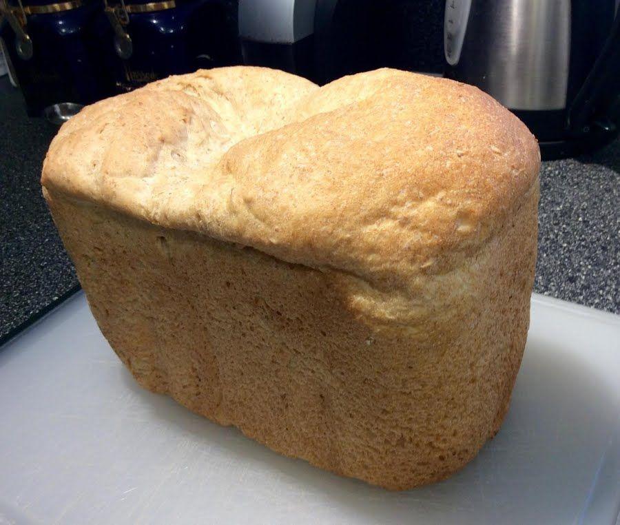 Enid S Buttermilk Oatmeal Bread Breadmaker Recipe In 2020 Recipes Fluffy Doughnut Recipe Oatmeal Bread