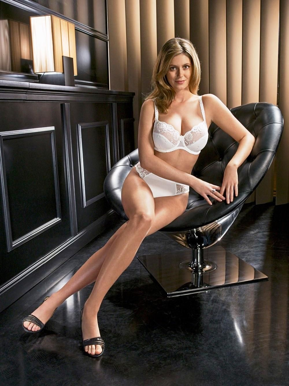 diora baird body measurement