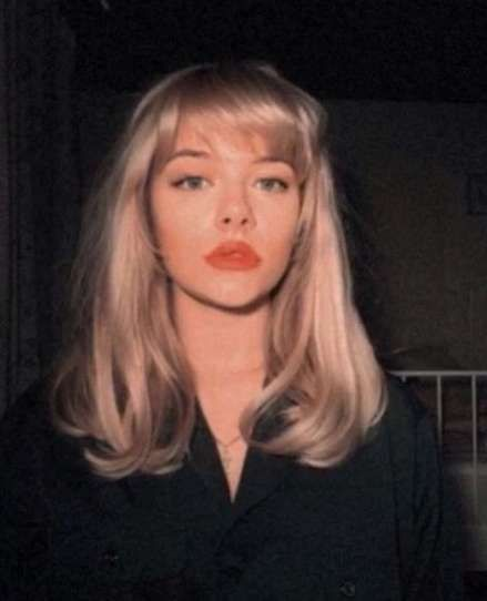 Idea By Belle On Nice In 2020 Blonde Hair With Bangs Blonde Hair With Fringe Blonde Fringe