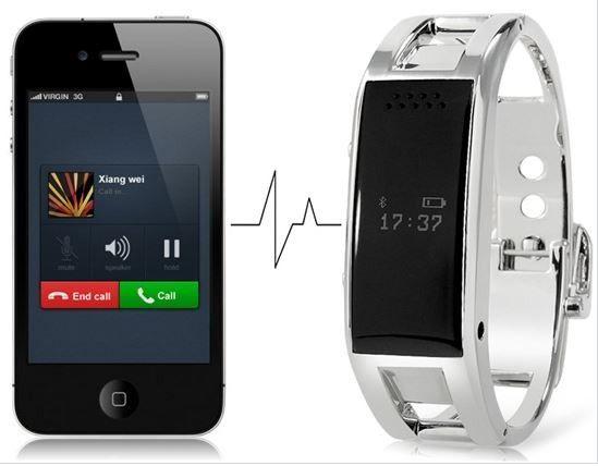 Armband Met Horloge En Mobiele Telefoon Draadloze roestvrij Bluetooth armband combineert een stijlvol design en hoogwaardige technologie. Hiermee kunt u gemakkelijk oproepen beantwoorden of naar muziek luisteren tijdens het sporten of rijden.