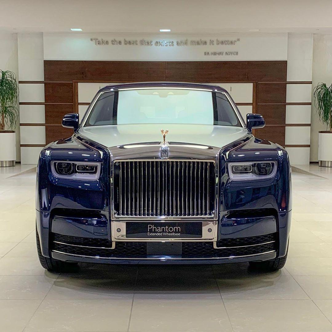 Rolls Royce Abu Dhabi On Instagram Rolls Royce Phantom Extended Wheelbase In Crystal Over Midnight Sapphire Bespoke Ext Rolls Royce Phantom Rolls Royce Royce