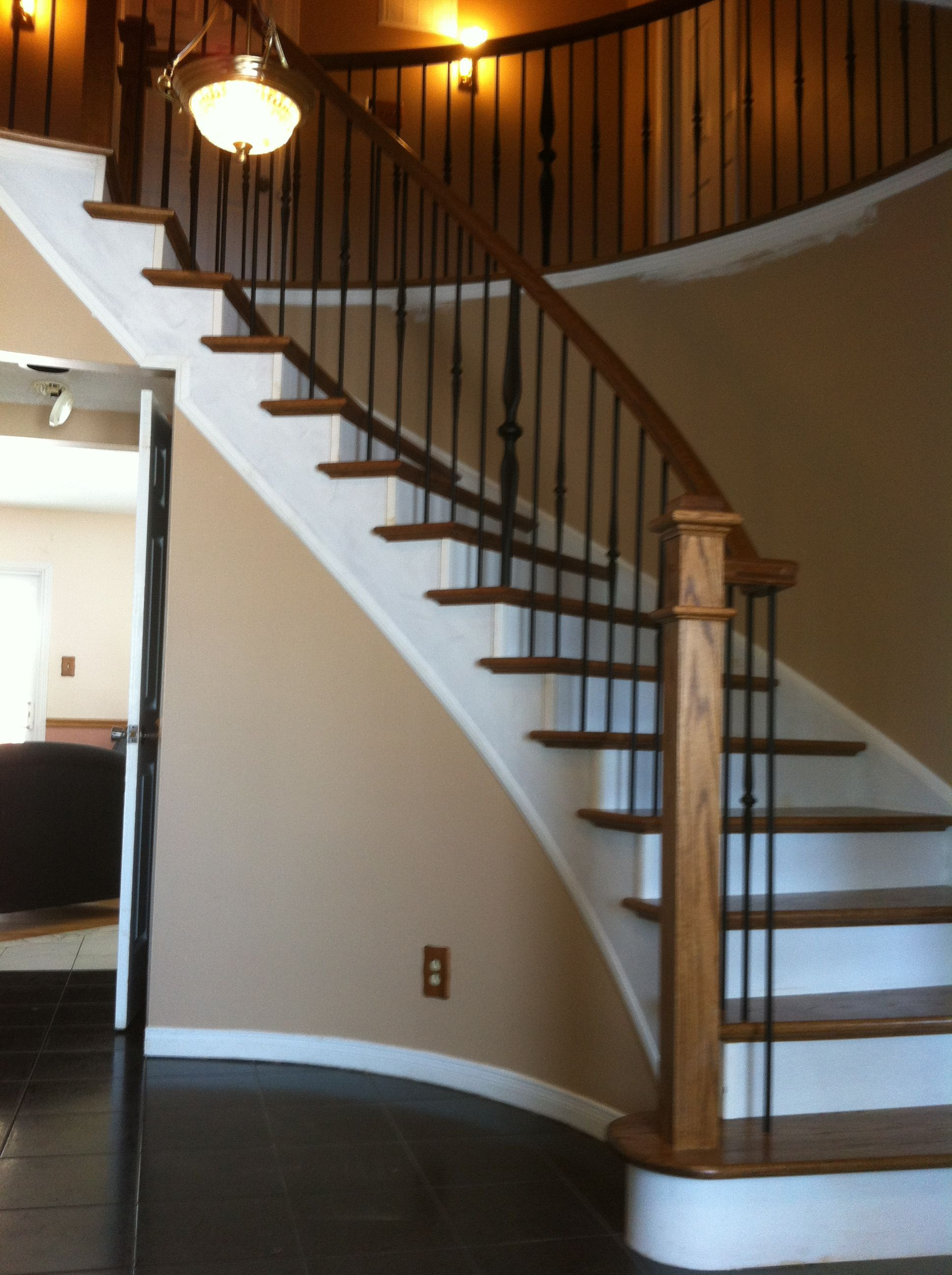 Best Dark Treads With White Risers Metal Spindles Square Wood 640 x 480