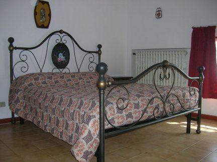 €. 130,00 Vendo causa cambio arredamento questo letto ...