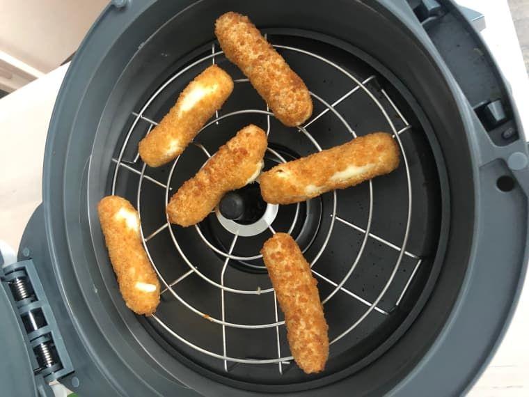how long to cook farm rich mozzarella sticks in air fryer