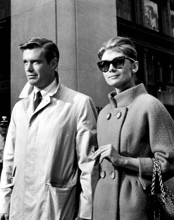 Audrey e George Peppard durante as filmagens de Breakfast at Tiffany's, 1960