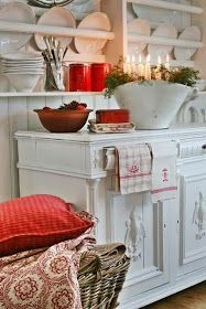 VIBEKE DESIGN: Scandinavian Christmas decorating with vintage items and crisp red and white.  Simple and sweet.