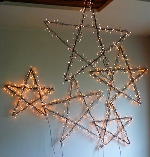 I'm loving all these Christmas stars with lights.