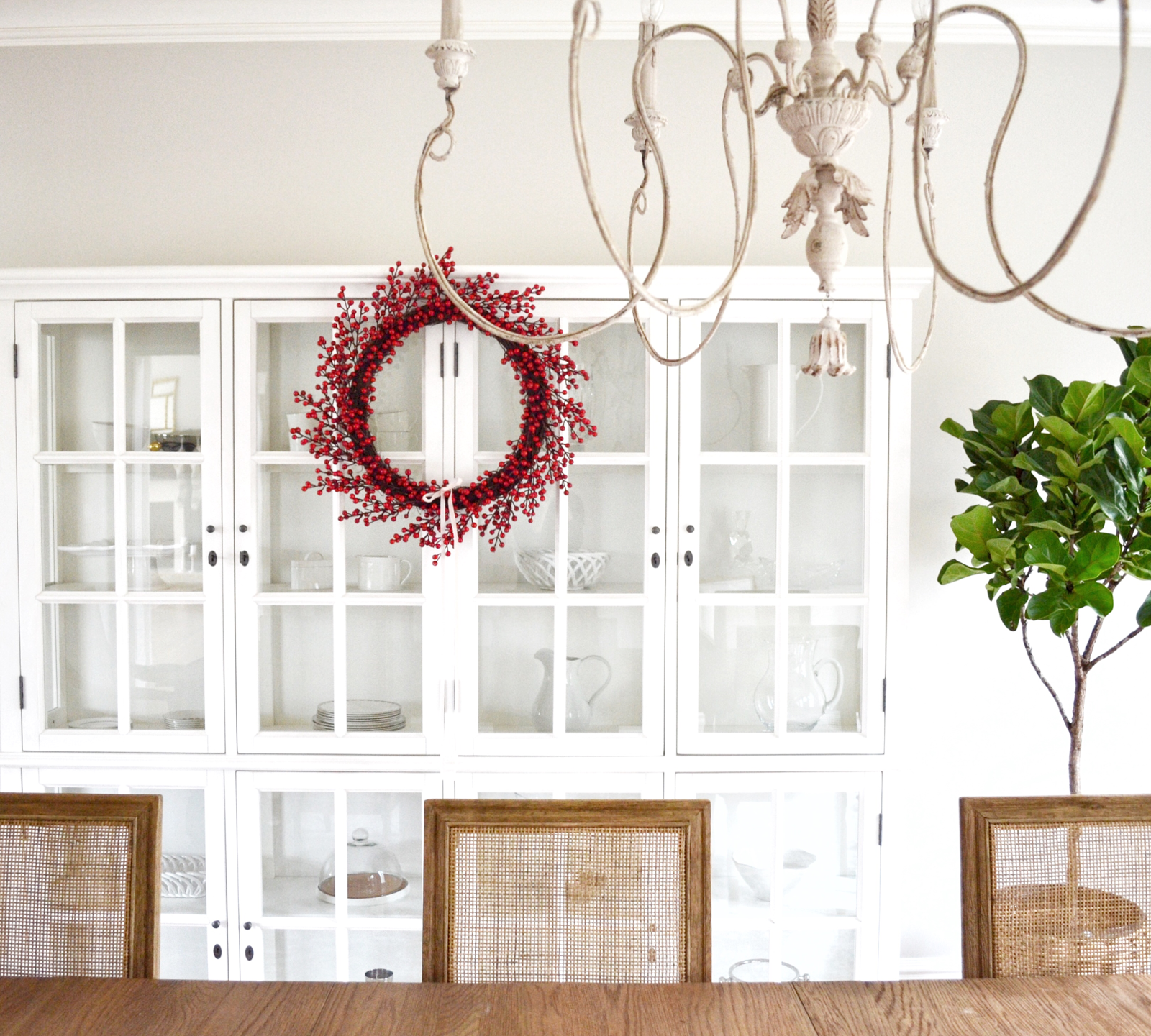 The Most Gorgeous Holiday Tour: Home Sweet Hillcrest | Pinterest ...