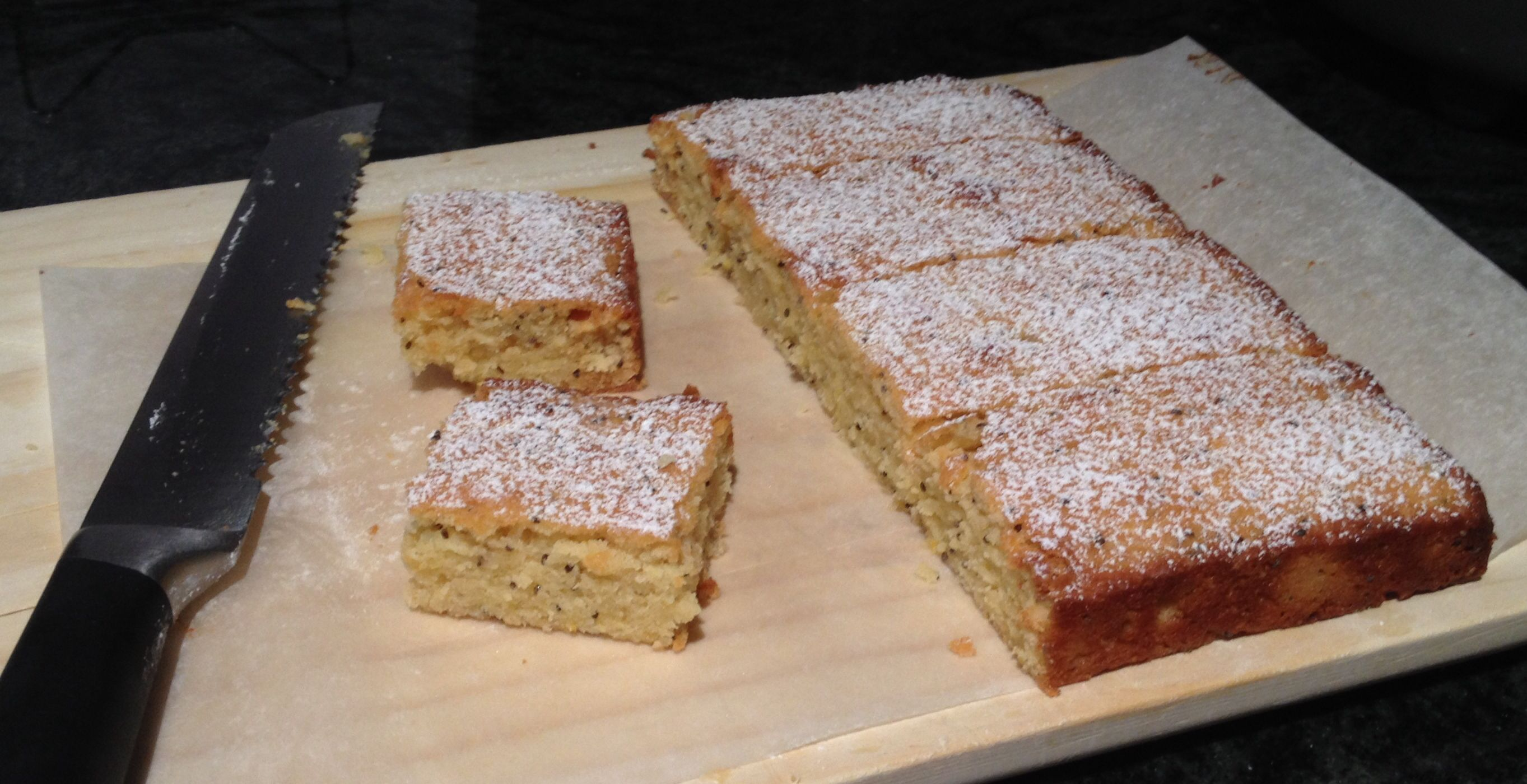 White chocolate, lemon and chia seeds blondies.