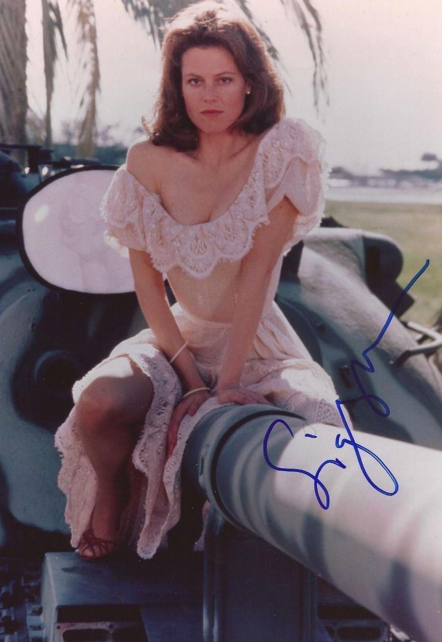 Sexy Sigourney Weaver nude photos 2019