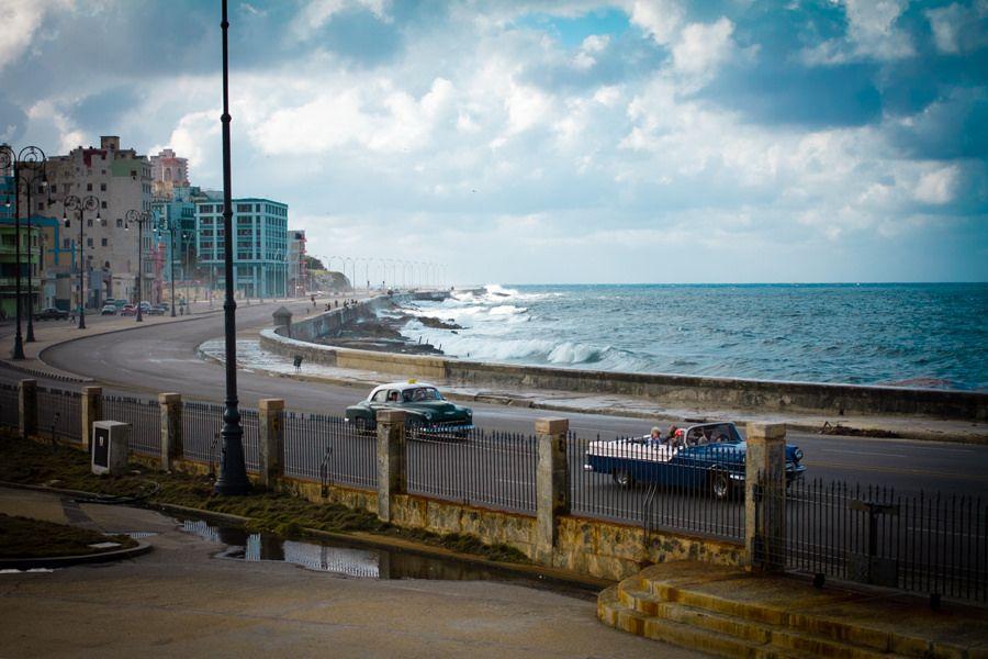 Malecón habanero (Foto: Filipe Castilhos / Flickr) #like #cuba #comenta #comparte #landscape #habana https://www.facebook.com/CubanosGuru/