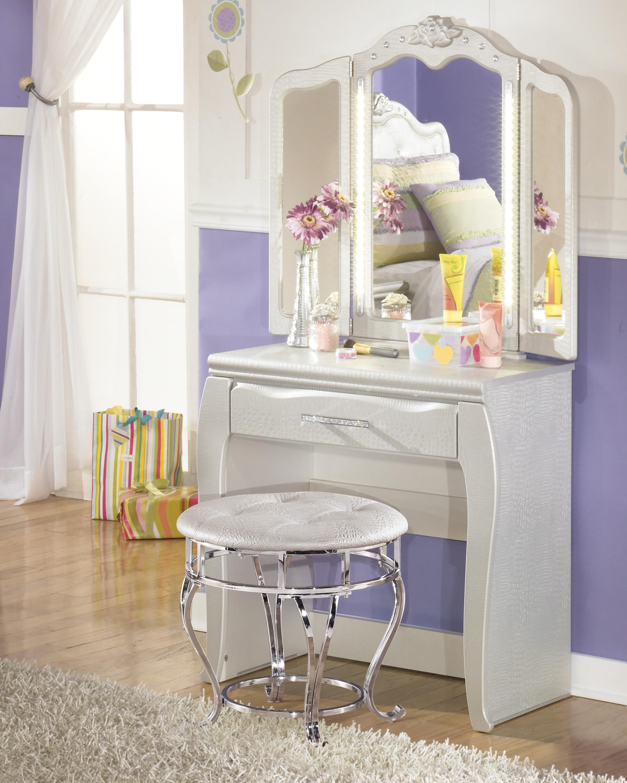 Ashley Furniture In Woodbridge Nj: Zarollina Desk And Vanity Mirror In Silver #kidsfurniture