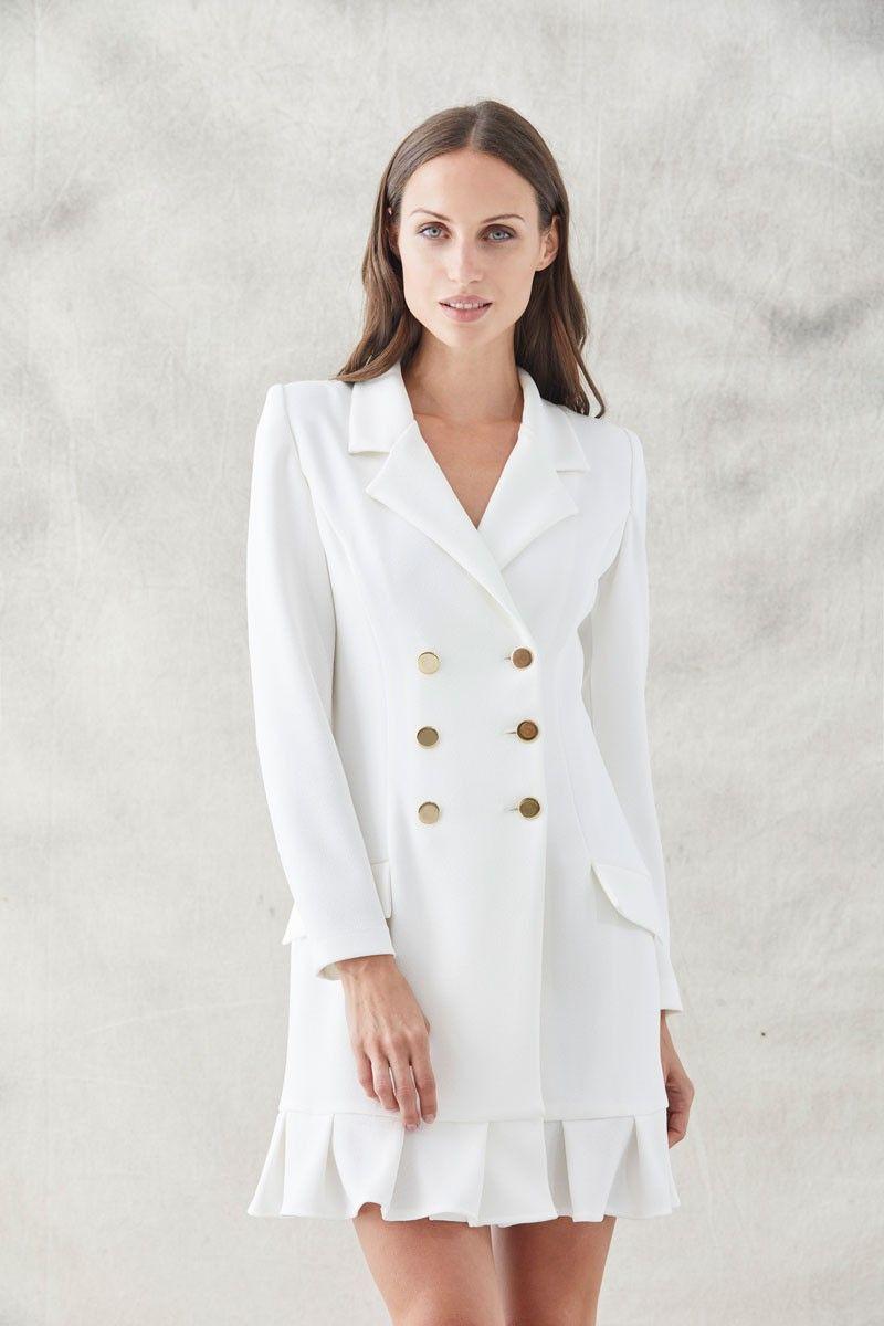 3fa8a5e36 comprar online vestido corto esmoquin blanco de manga larga escote en pico  botonadura con seis botones