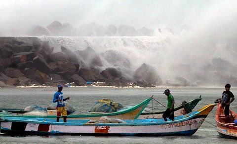 Google Image Result for http://graphics8.nytimes.com/images/2012/10/31/world/asia/31-Cyclone-Nilam-IndiaInk/31-Cyclone-Nilam-IndiaInk-blog480.jpg