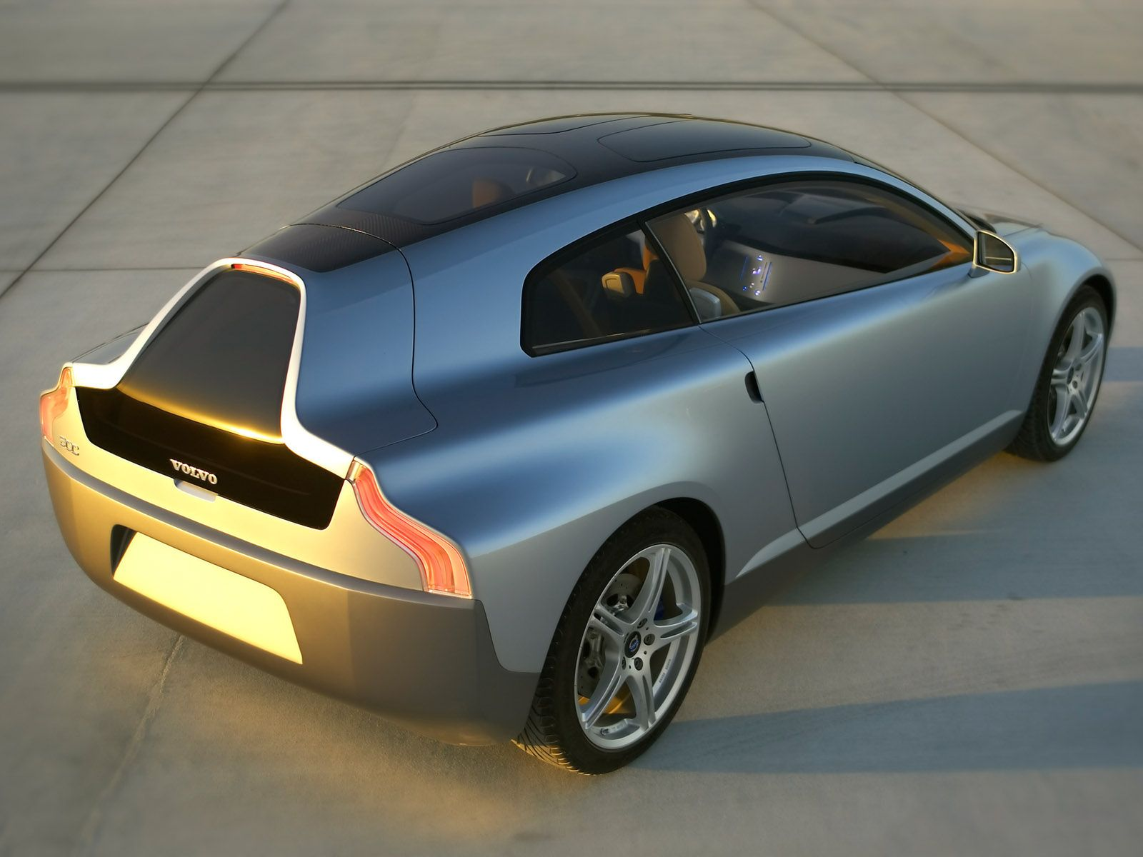 2004 Volvo 3CC Concept Rear Angle Top Sunset