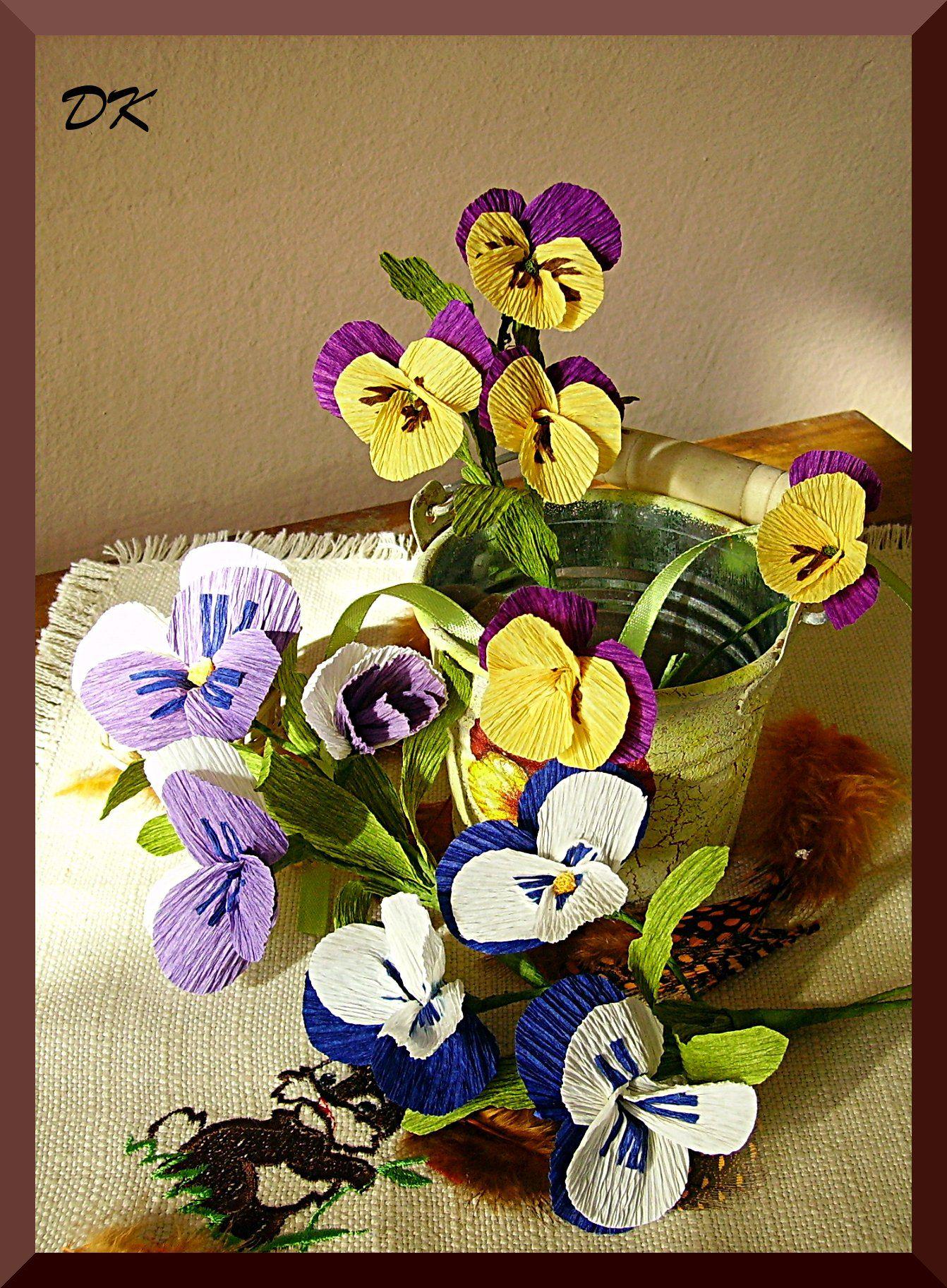 Wiosenne Kwiaty Z Krepiny Szukaj W Google Crafts Diaper Cake