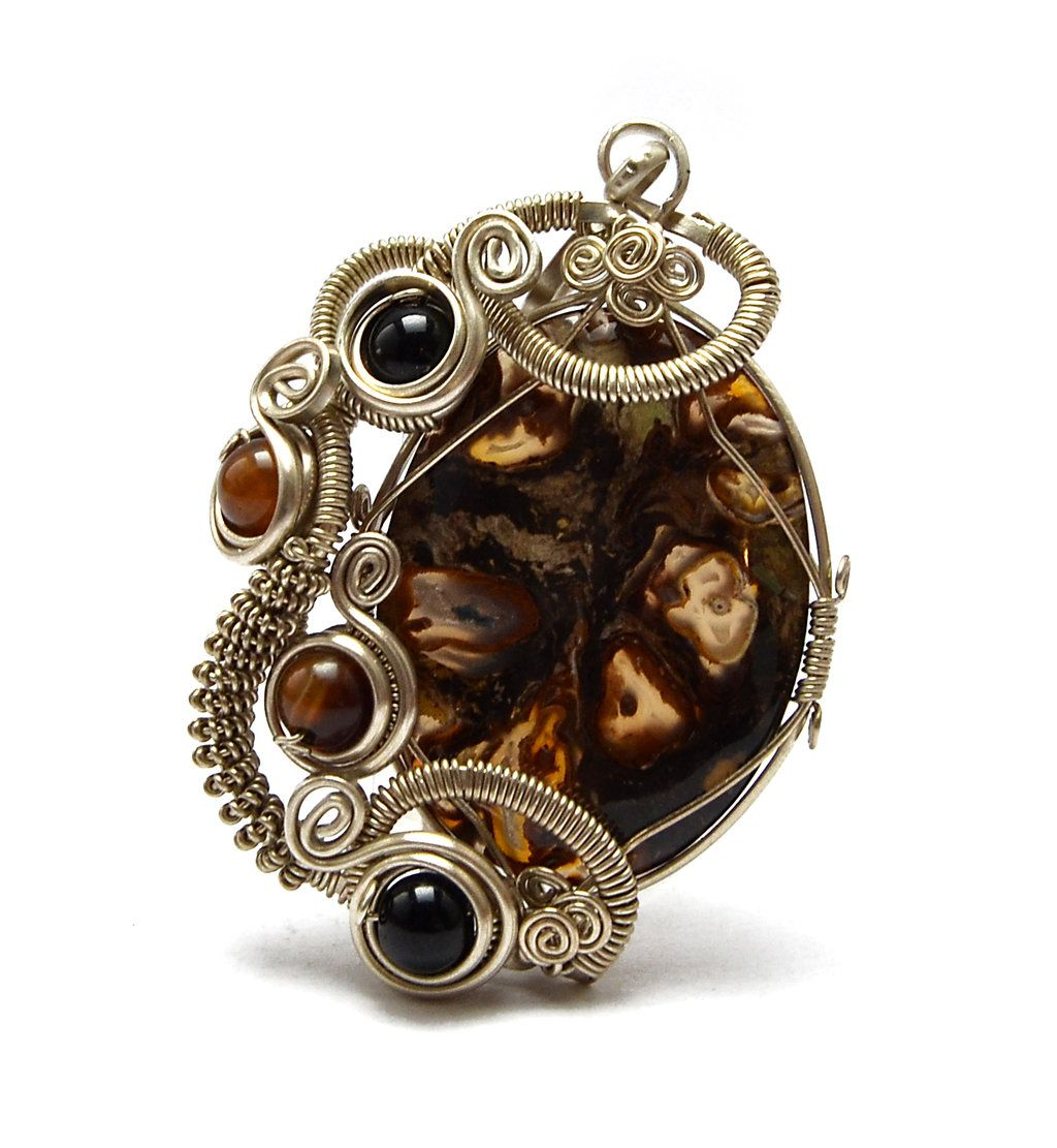Wire Wrapped Pendant by hyppiechic.deviantart.com on @deviantART