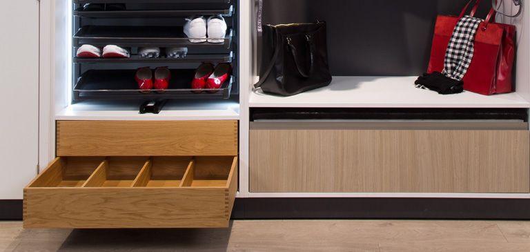Geräumige Schubladen bieten optimalen Stauraum Garderobe Pinterest - kleiderschrank schiebeturen stauraumwunder
