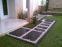 Resultado de imagen para jardines con piedra