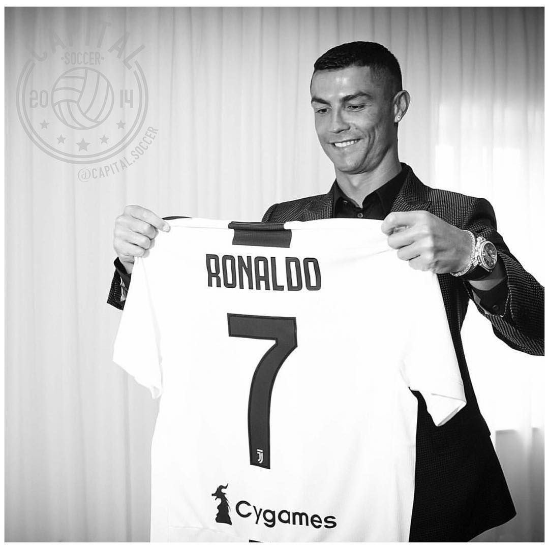 huge discount 16dac c9b38 Ronaldo Jersey Juventus New Home Kit 2018-2019 Cygames | CR7 ...