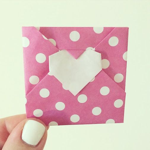 A heart envelope ✉️❤️ #origami #envelope #heart #paper #pink #polkadot…