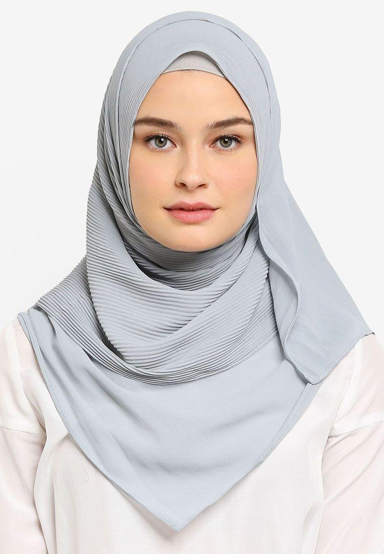 Premium Pleated Shawl | Hijab style tutorial, Shawl, Model ...
