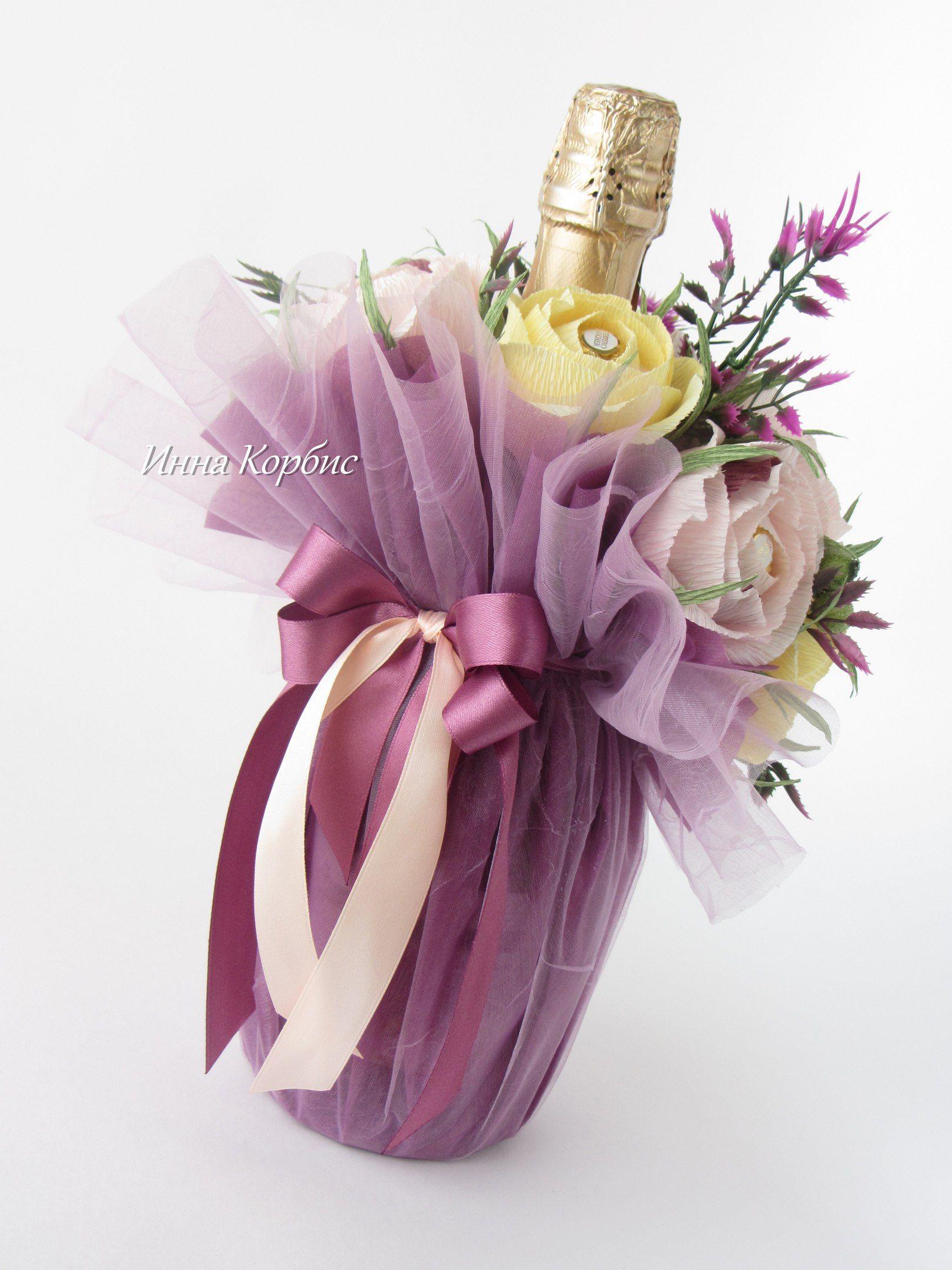Вино с цветами из конфет