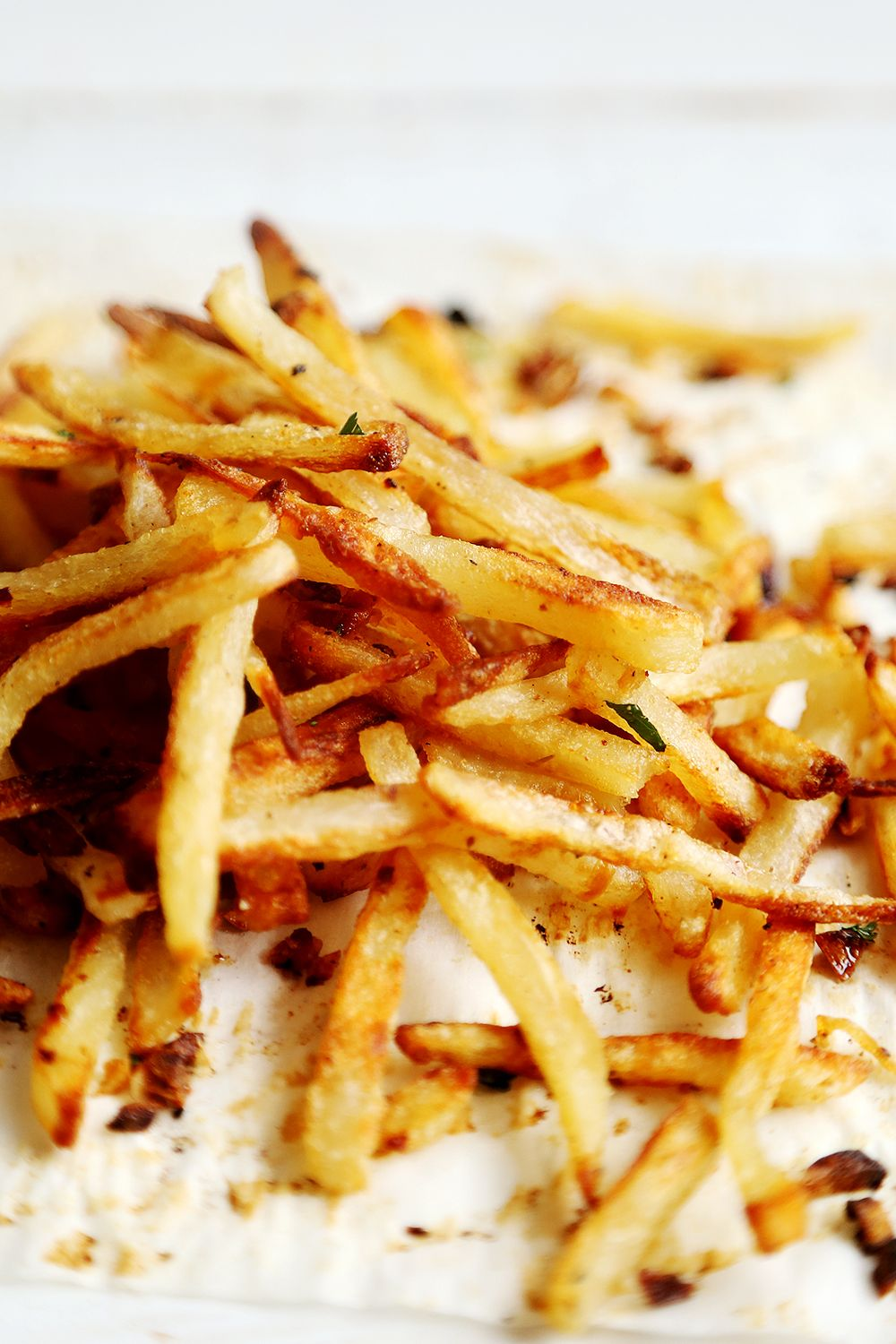 Thin and Crispy Oven Baked Garlic and Cilantro French Fries ...
