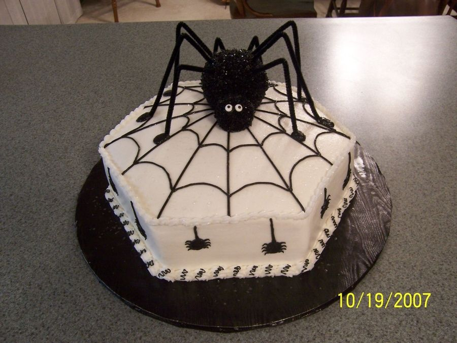 Sensational Black Spider Birthday Halloween Cake Met Afbeeldingen Borden Funny Birthday Cards Online Inifofree Goldxyz