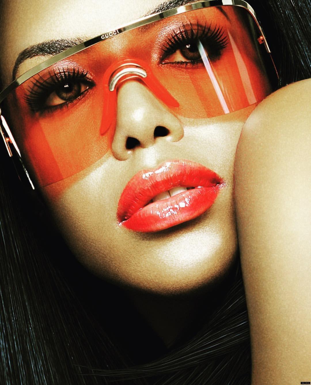 0465aa2586 Aaliyah in Gucci shades.