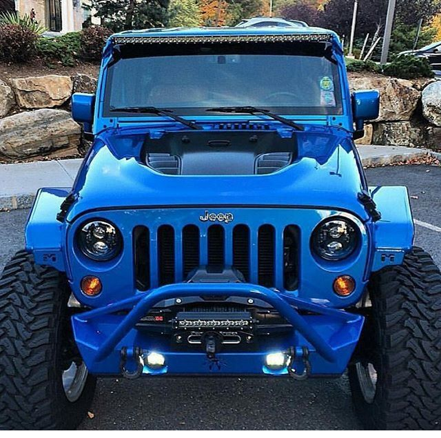 CHECK OUT THE HOOD ON THIS JEEP JK