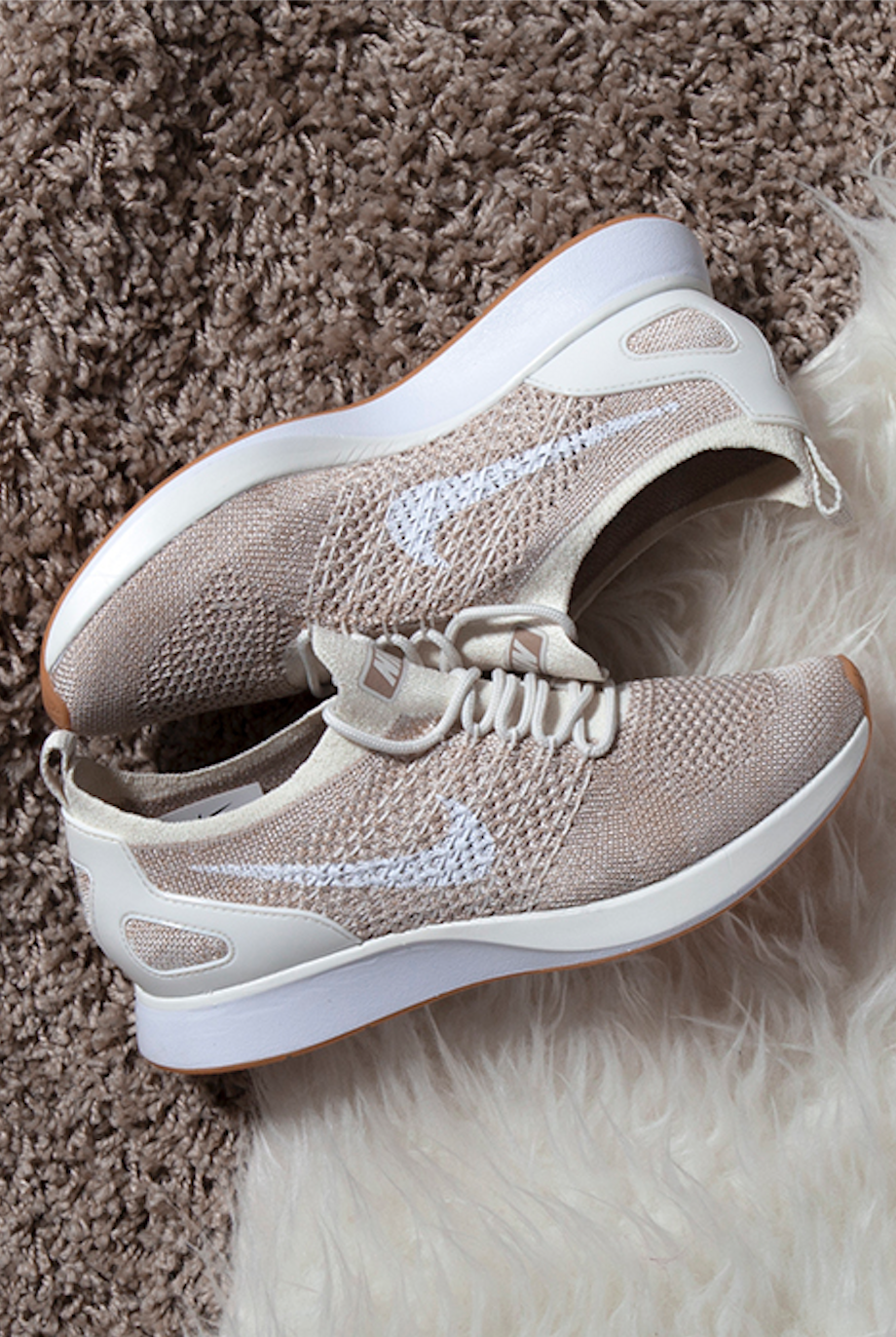 save off 8cfa8 946c5 Nike Air Zoom Mariah Flyknit Racer – Beige White. Cool sneakers on furry  rug.