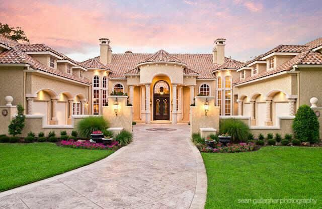 A Little To Much But Still Beautiful Mansions Courtyard House Plans Mansion Floor Plan