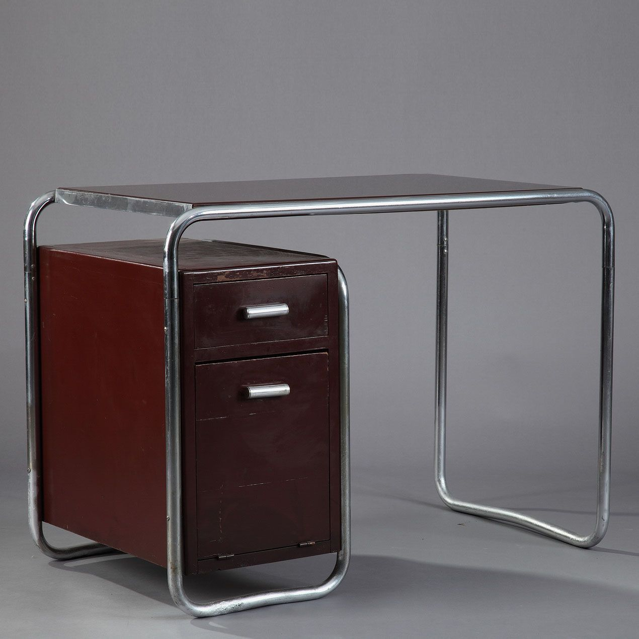 Fauteuils Bureau Bordeaux Tubular Steel Desk With Two Red Bordeaux Varnished Wooden Drawers