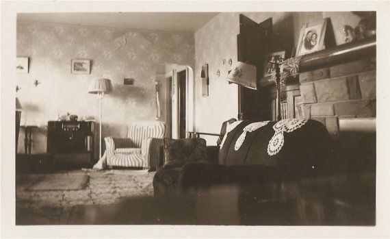1920's living room   Just because it's 1920's interior ...