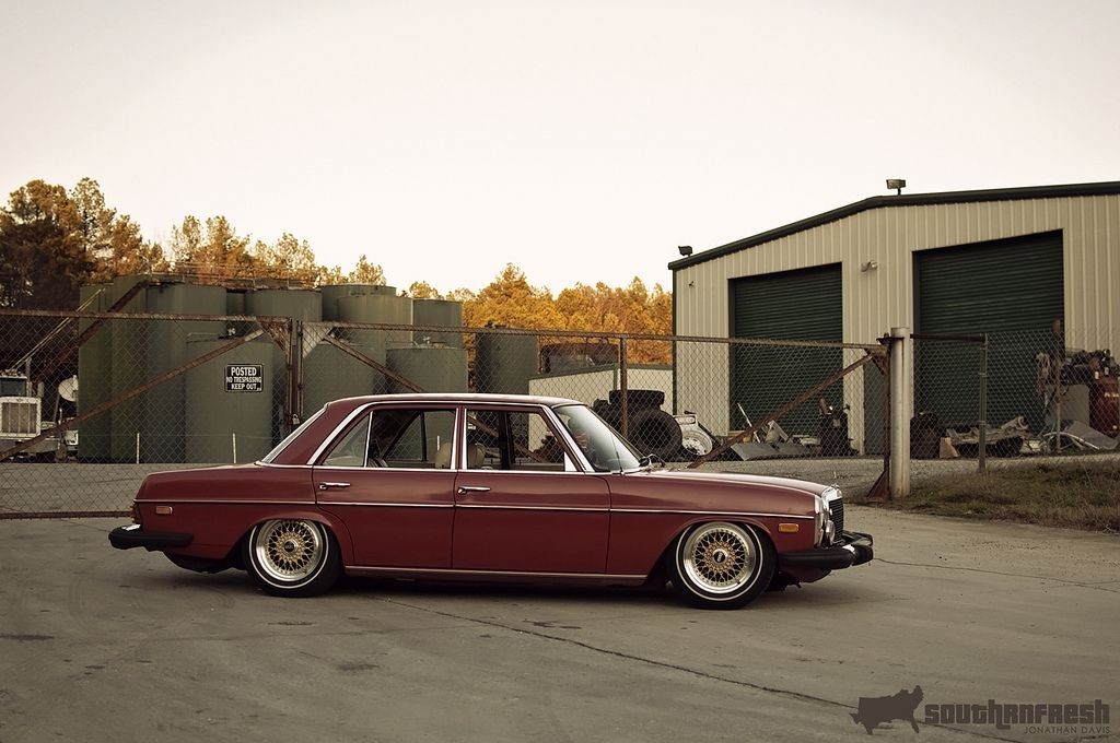 Mercedes Benz 240d W115 On 15 Gold Bbs Rs Con Imagenes Autos