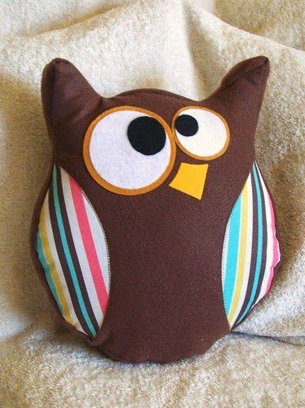 اصنعى بنفسك خدادية لأطفالك على شكل بومة Owl Pillow Diy Owl Pillows Pillows