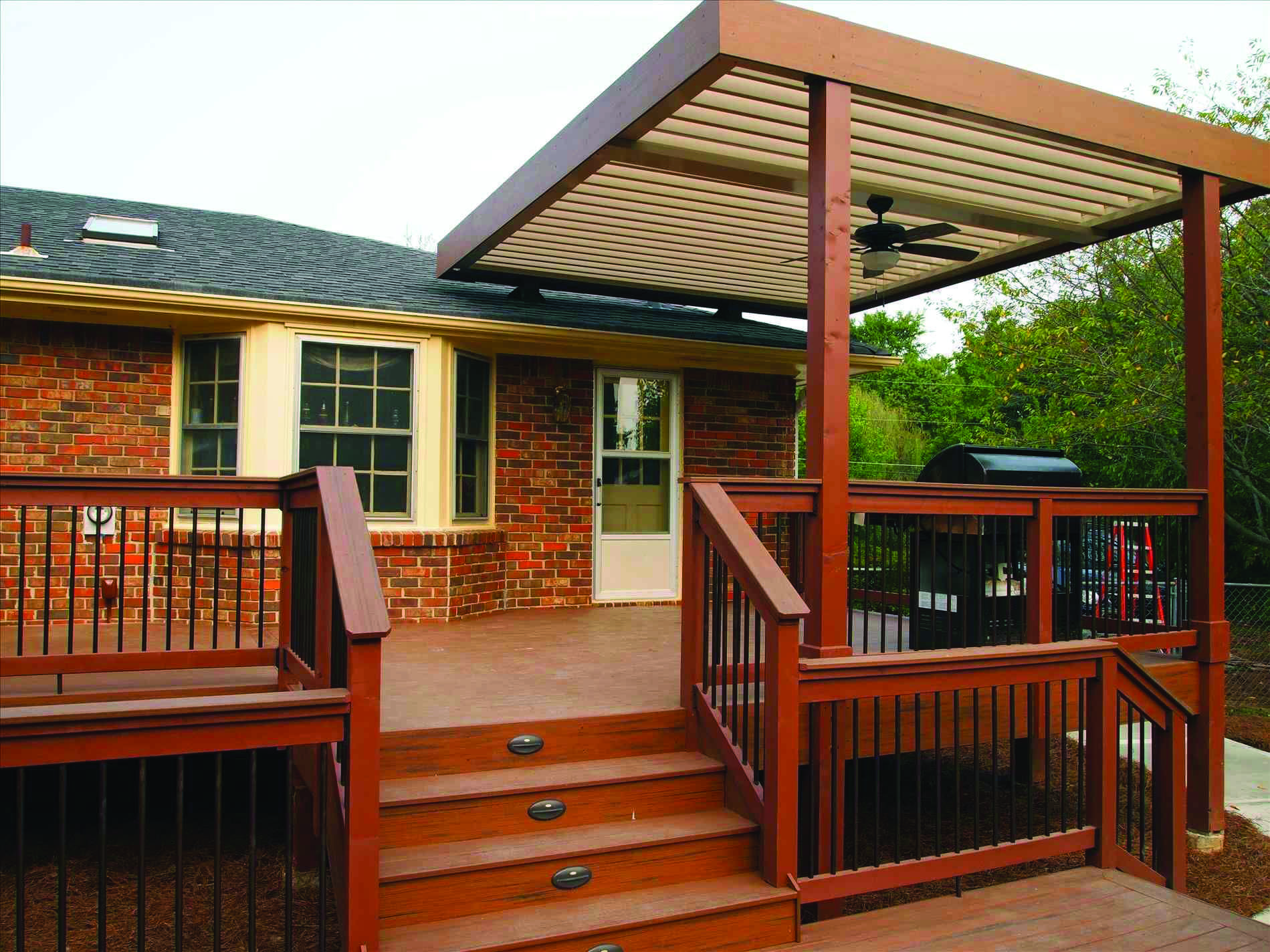 10 Beautiful Easy Diy Backyard Decks Homes Tre Covered Deck Designs Patio Transition Ideas Patio Deck Designs